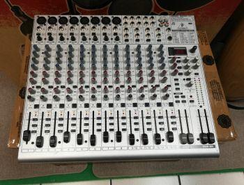 BEHRINGER UB2222FX Pro Eurorack USATO NON SPEDIBILE