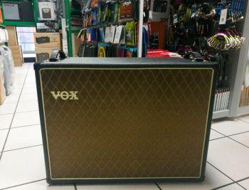 Vox V212C Cabinet 2 x 12 per chitarra Usata